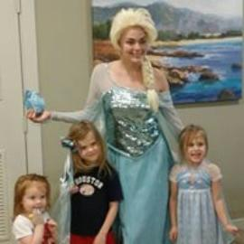 Queen Elsa from Frozen costumed character birthday party in Houston, Texas.