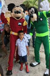 Hire these 2 racing pals costumed characters for your mascot birthday party in Houston.