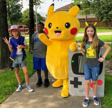 Our mascot costumed characters come with great games and props for your Houston children's birthday party .