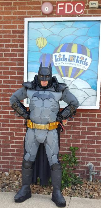 Batman costumed character for rent in Houston, Texas for birthday party mascots.