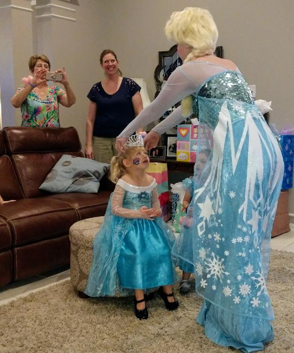 Hire a Houston birthday party princess character for a specila little girl on her happy birthday